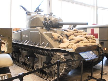 1024px-Sherman_Tank_at_WWII_Museum_in_New_Orleans